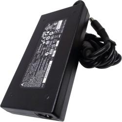 Napájecí adaptér MSI 135W (vč. síť. šňůry) 77011233