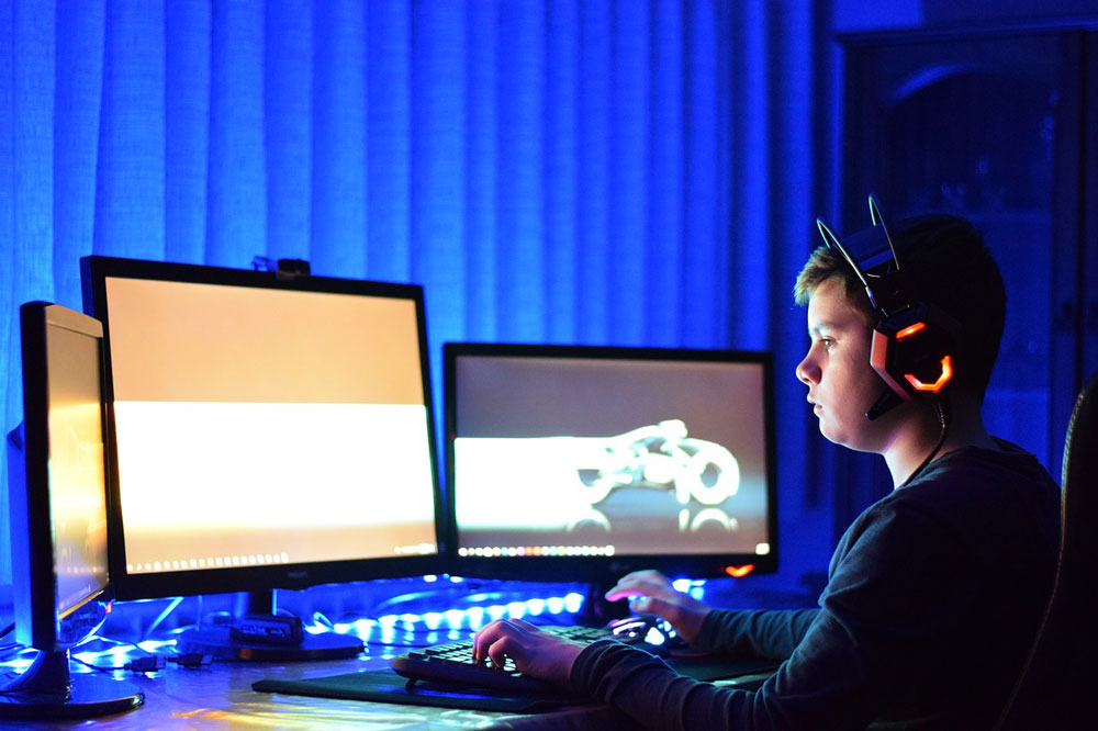 herný monitor