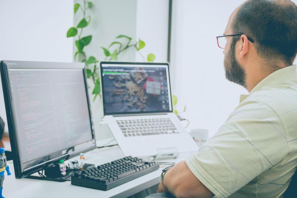 pracovný monitor
